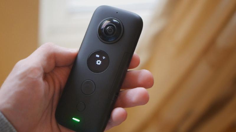 Insta360 One X with FREE Selfie Stick